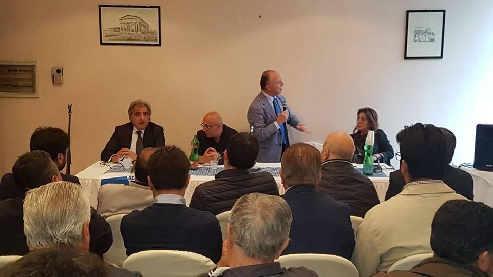 Agropoli ieri incontro con i parlamentari forza italia for I parlamentari