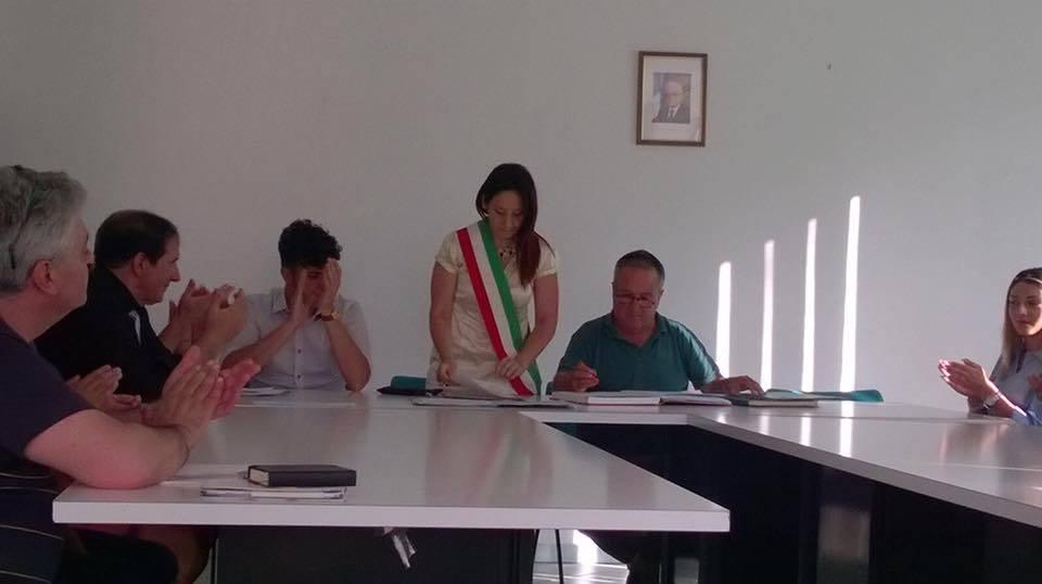 Ribaltone ad Alfano. La minoranza si allea con il sindaco. I tre dissidenti della maggioranza costituiscono il gruppo misto.