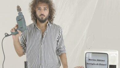"""Photo of Torna Martino Adriani, con il videoclip """"Bottiglie di chianti"""""""
