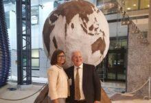 """Photo of Pertosa: FAO consegna alla Fondazione MIdA l'opera """"Il mondo di carta"""""""