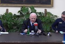 """Photo of De Luca: """"garantire la salute, garantire il pane"""""""