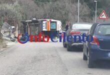 Photo of Incidente a Capaccio, ambulanza si ribalta
