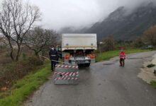 Photo of Postiglione chiude i varchi d'accesso al paese