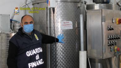 """Photo of Agropoli: sequestrati 3700 litri di sapone antibatterico """"tarocco""""."""