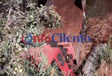 Photo of Paura a Casal Velino, camion finisce in una scarpata