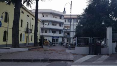 Photo of Polla: mancano posti in covid center, sette sanitari confinati nel reparto di neurologia